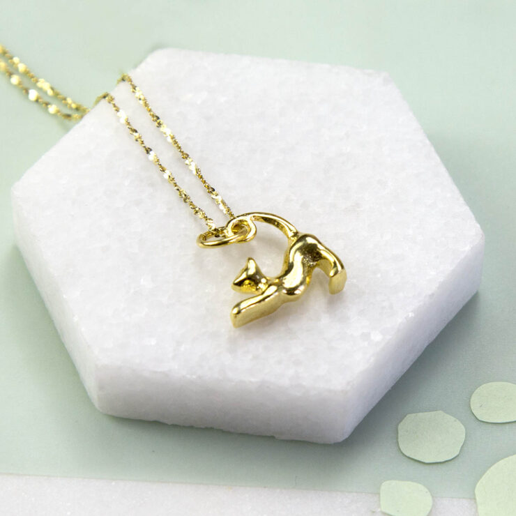 Small Gold plated stretching cat figurine pendant necklace