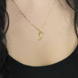 Gold plated single angel wing pendant necklace