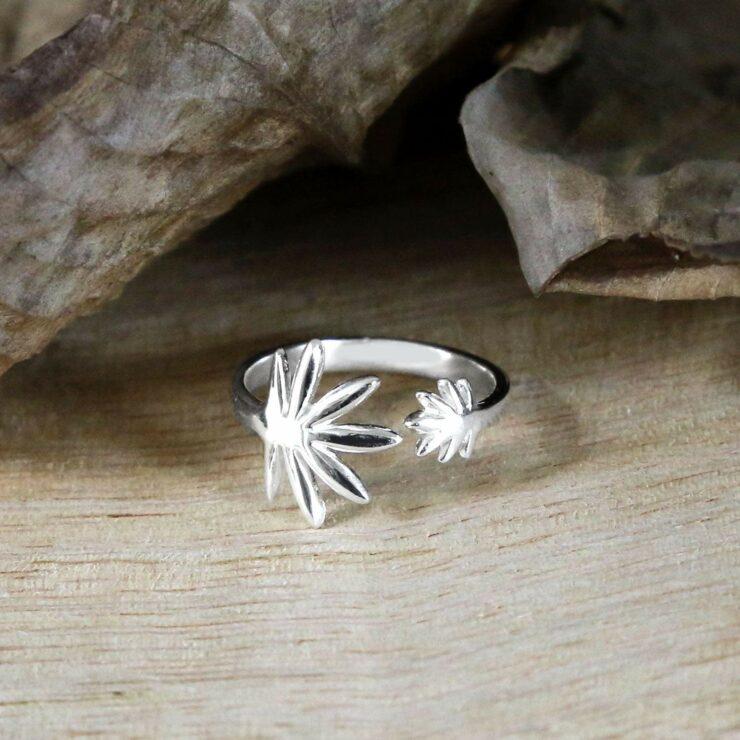Silver adjustable palm leaf ring