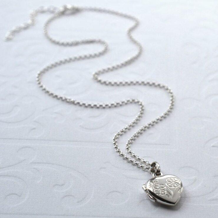 Silver engravable decorative floral heart shaped locket