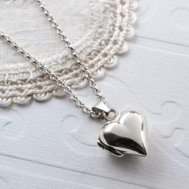 Silver tiny polished heart locket