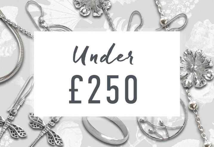 Bracelets Under £250
