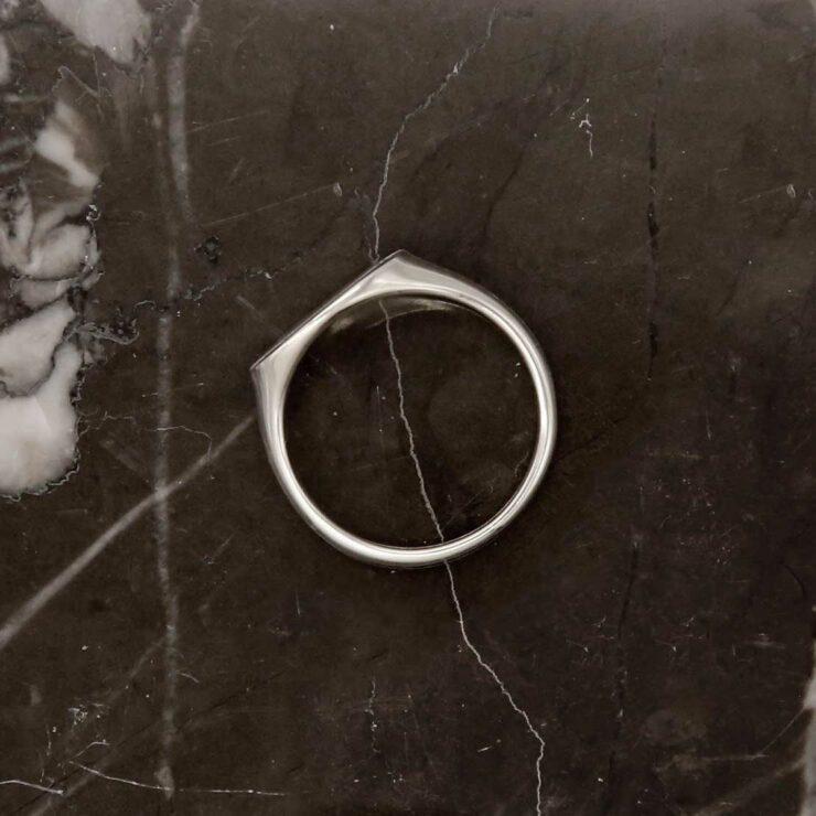 Single top-down wide landscape sterling silver signet ring